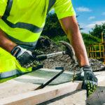 comprar guantes de seguridad 150x150 - Normativas sobre el calzado laboral y de seguridad.