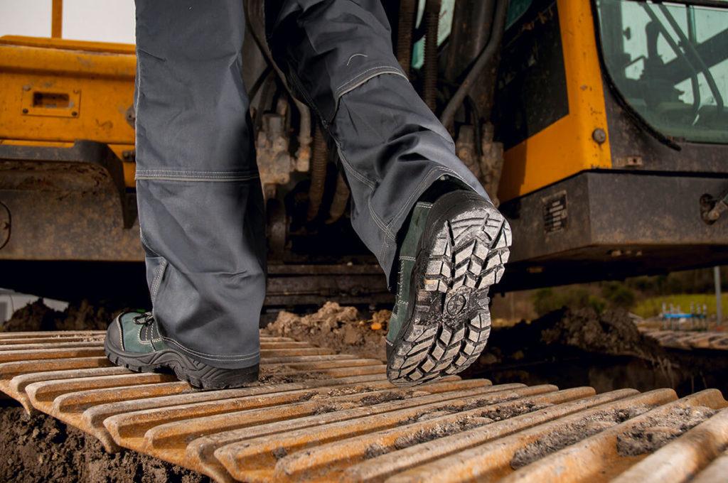 zapatos de seguridad 1024x680 - Normativas sobre el calzado laboral y de seguridad.